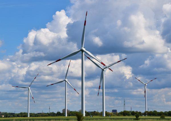 Een eboiler gebruikt bijvoorbeeld duurzame energie uit wind